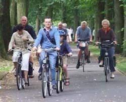 grpoup on bikes 250